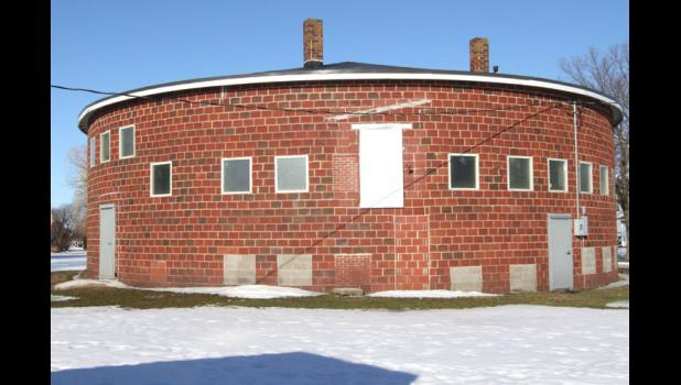 This one-story round gymnasium is located in the southwest corner of Yale. The building has a round footprint, roughly 77 feet in diameter and approximately 242 feet in circumference.